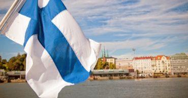 флаг финляндии. поступление в колледжи финляндии